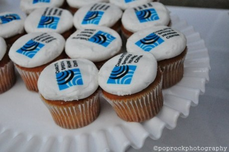 LOGO-CUPCAKES-FOR-FUNDRAISER-