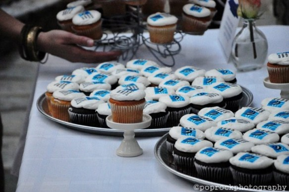 LOGO-CUPCAKES-FOR-FUNDRAISER