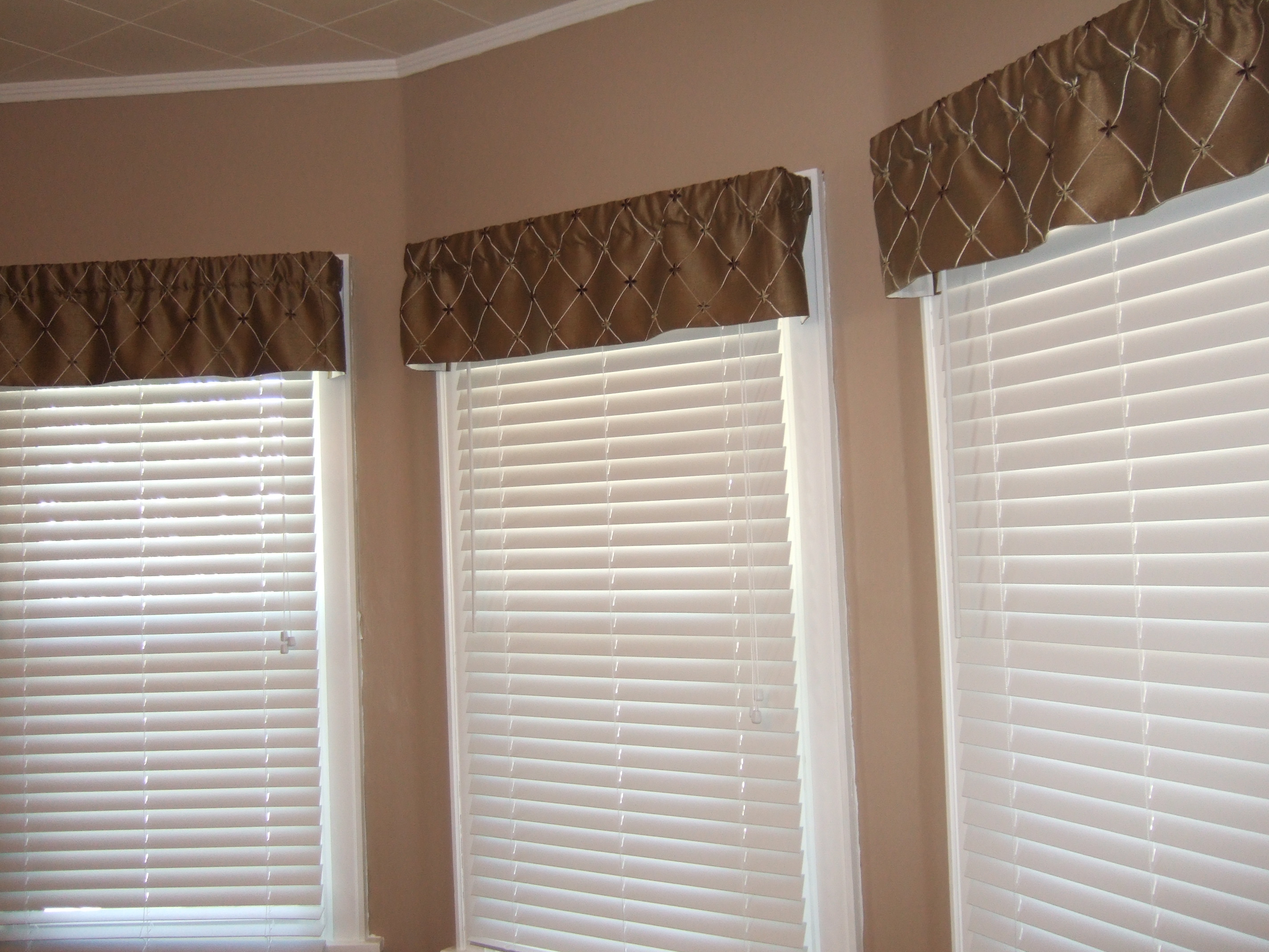 Breakfast Nook Valances