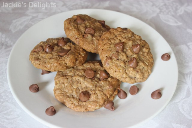 chocolate chip oatmeal cookies.4