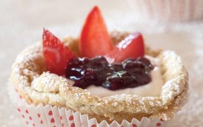Mini German Pancakes with Greek Yogurt, Berries & Stone Fruit
