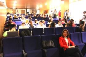 Sentada en Unibe