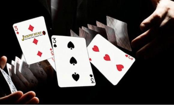 Bandarnya Dalam Permainan Poker Online