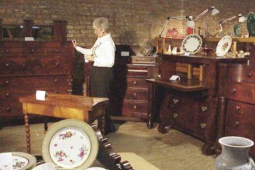 08 Antiques Show