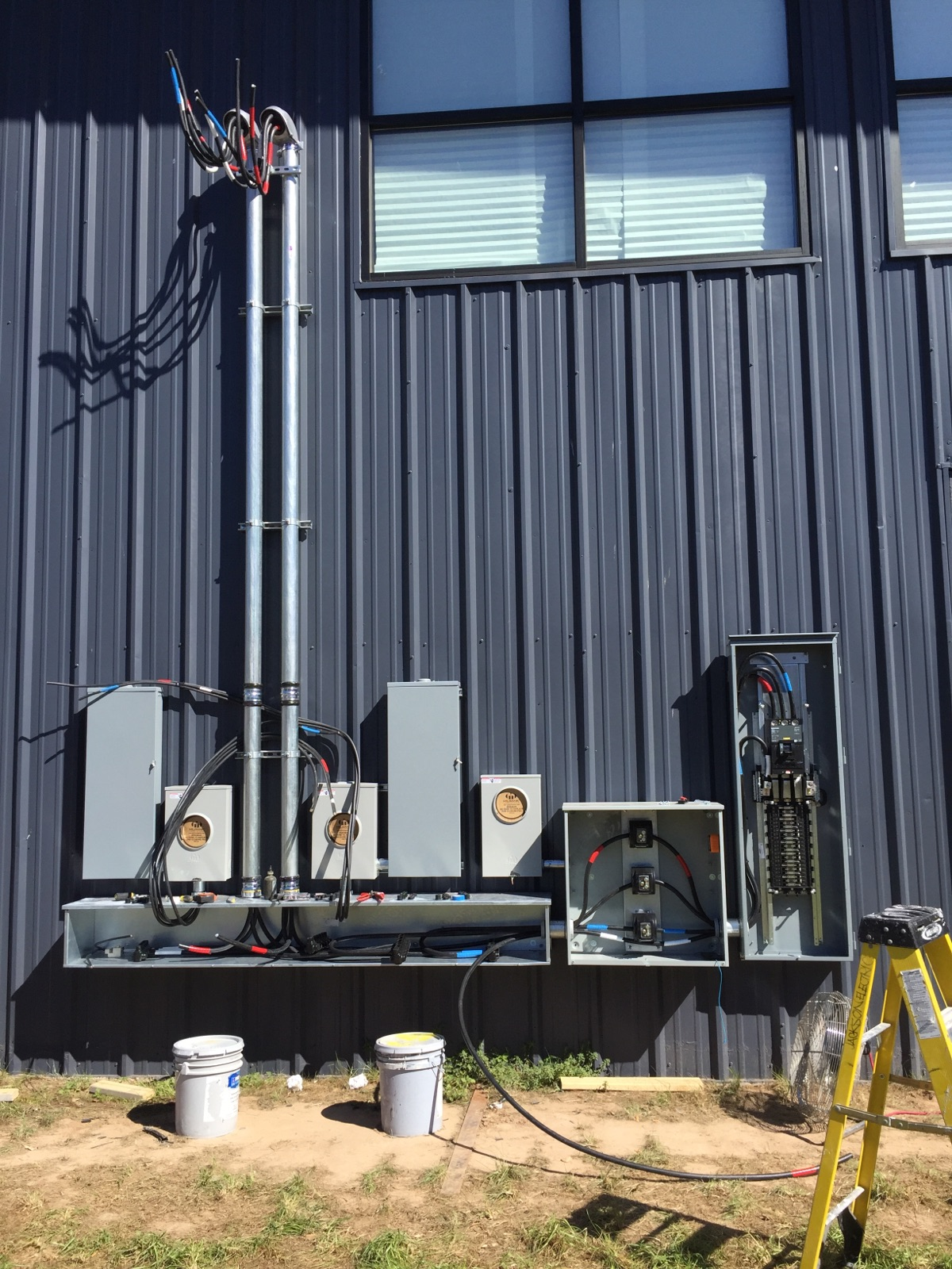 exterior commercial electrical service panel