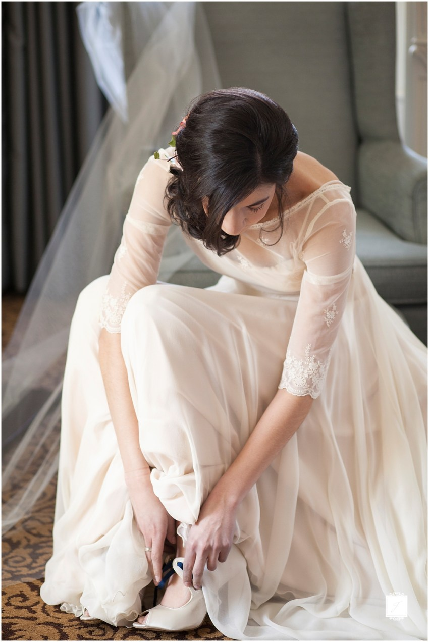 How to Pick the Perfect Wedding Dress by Jackson Signature Photography Pittsburgh Wedding Photography
