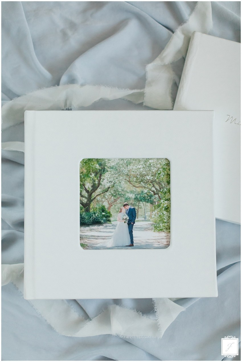 Flash-album-sale-Pittsburgh-Wedding-Photographer-Wedding-Album-Sale-Jackson-Signature-Photography