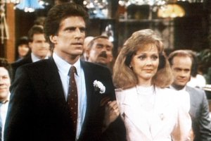 CHEERS, (from left): Ted Danson, Shelley Long, I Do, Adieu, (Season 5, aired May 7, 1987), 1982-93. © Paramount Television / Courtesy: Everett Collection