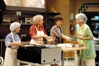 THE GOLDEN PALACE, Estelle Getty, Betty White, Rue McClanahan, Bea Arthur, 1992-1993. (c)Touchstone. Courtesy: