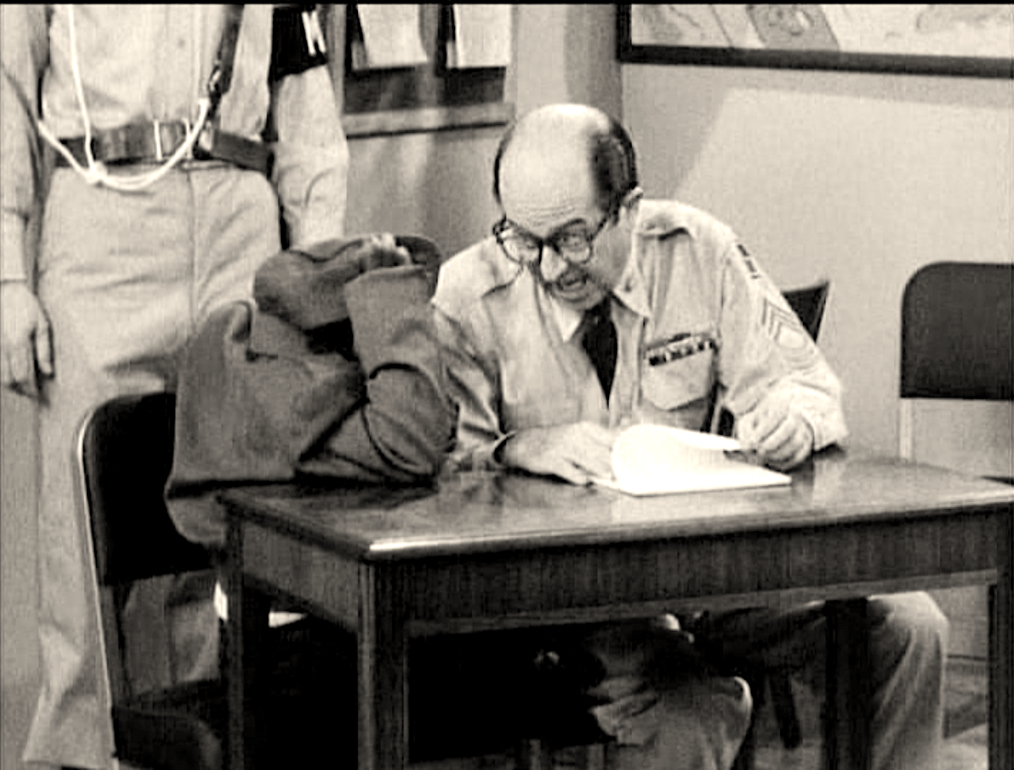 The Phil Silvers Show : SE 01 Ep 17 : The Investigation