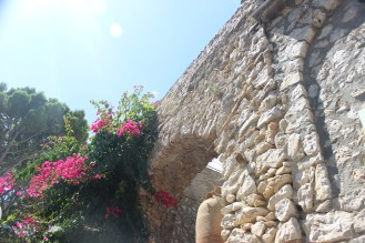Capri Wall