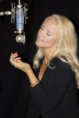 Jacqueline Jax In The Studio Adagio_2