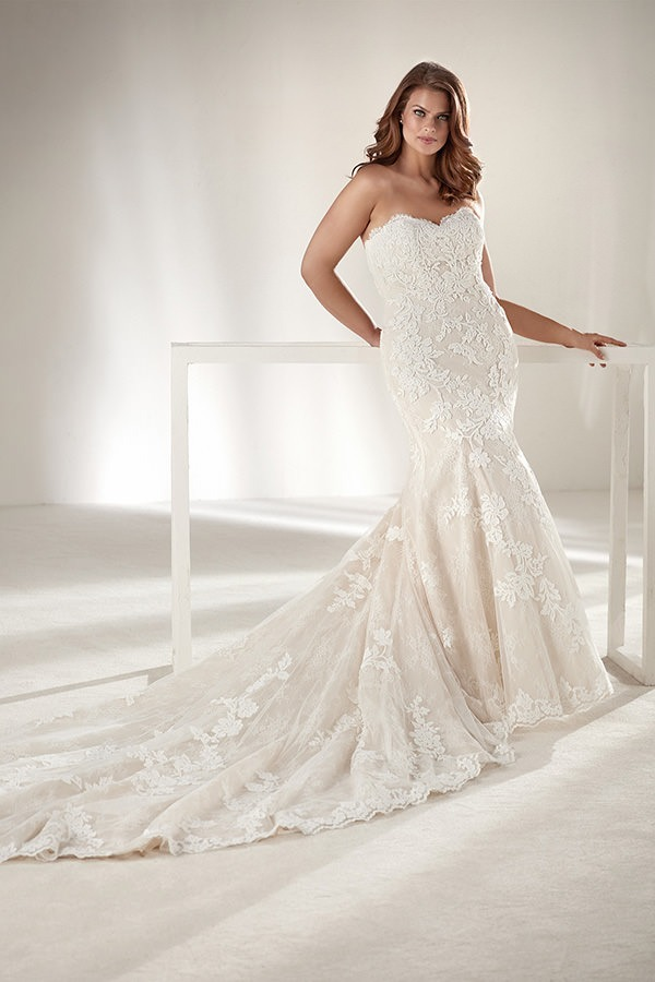 657519a4e900 Exquisite details and curve-hugging silhouettes make our plus-size wedding  dresses a dream, no matter your size!