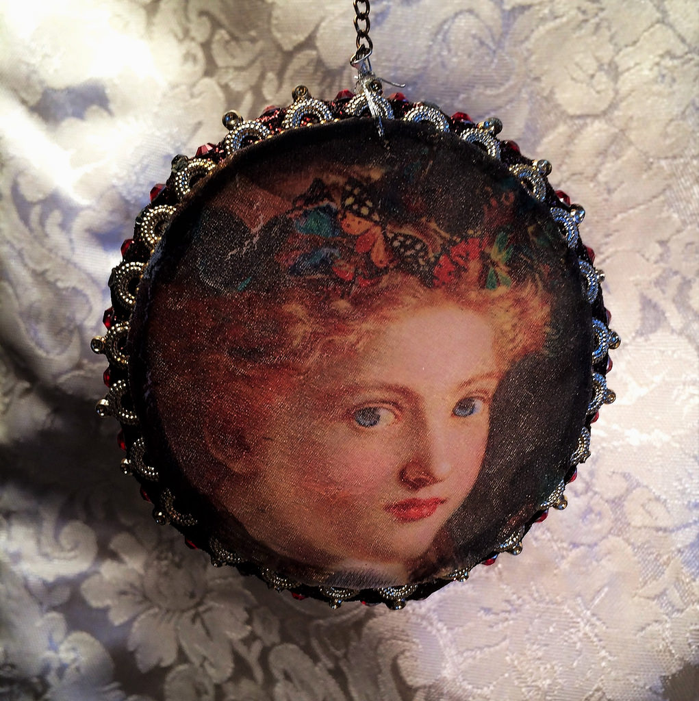 Prerapahelite-Madonna-on-a-jeweled-circle-3-x-3-34