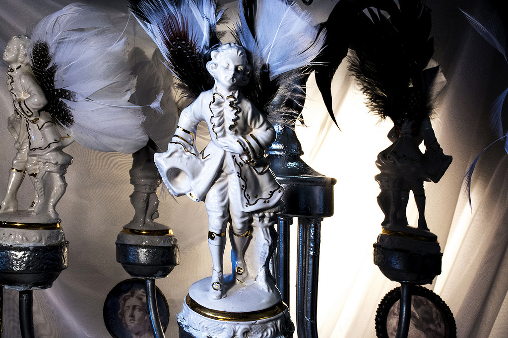 figurines-on-the-candelabra