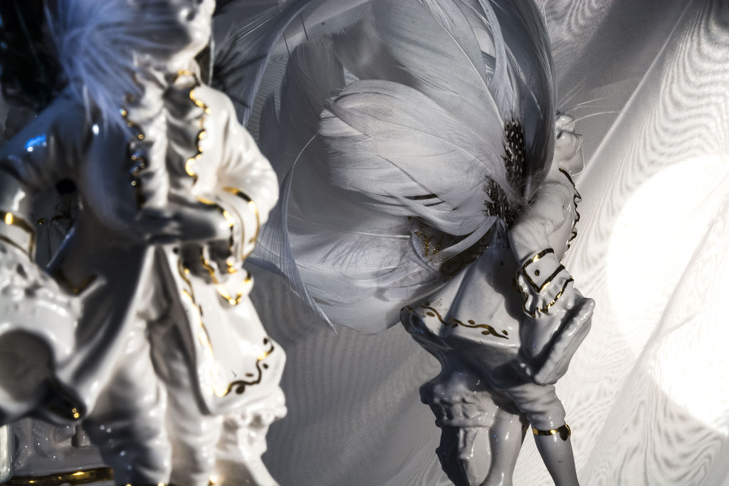 porcelain-figure-detail-chandelier