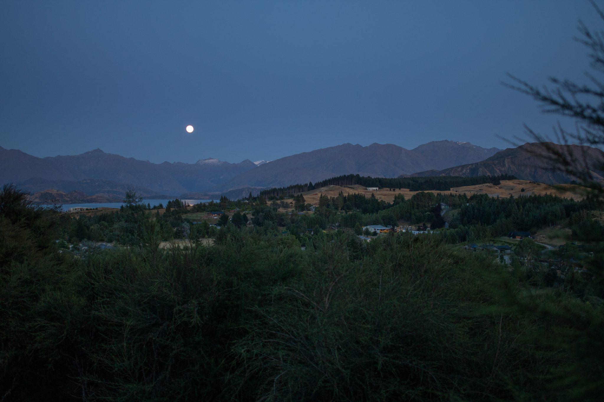Wanaka Airbnb view at night