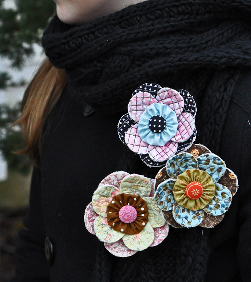 Scrappy Quilty Flower Pin_JacquelynneSteves