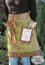 Cute Fall Apron with Embroidered Pocket Tutorial | JacquelynneSteves.com