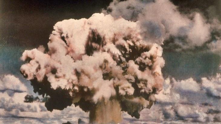 d'une mondialisation à l'autre. La première mondialisation s'est achevée à Nagasaki par l'explosion de la seconde bombe nucléaire
