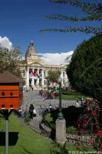 La Plaza Murillo with in background the presidential palace