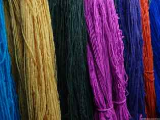 Dye of lama wool in Chinchera