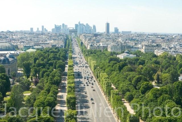Avenue des Champs-Elysées  – Stock photo