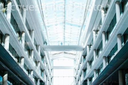 Bâtiment moderne dans le quartier d'affaires