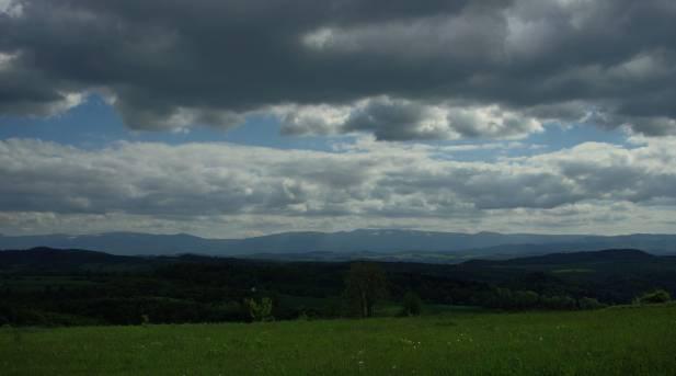 Coraz więcej chmur nad górami