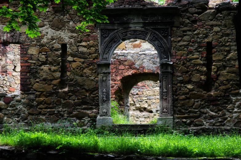 Zamek spalili w maju 1945 roku żołnierze Armii Czerwonej