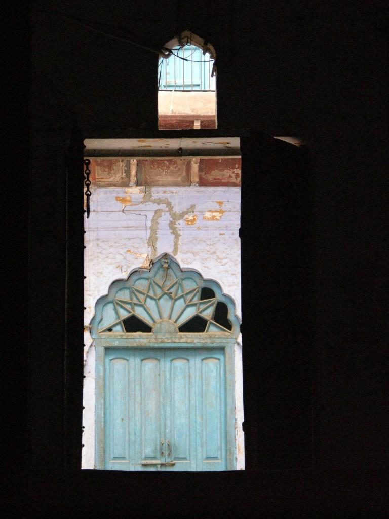 courtyard doorway, Delhi, India, image by Jade Jackson