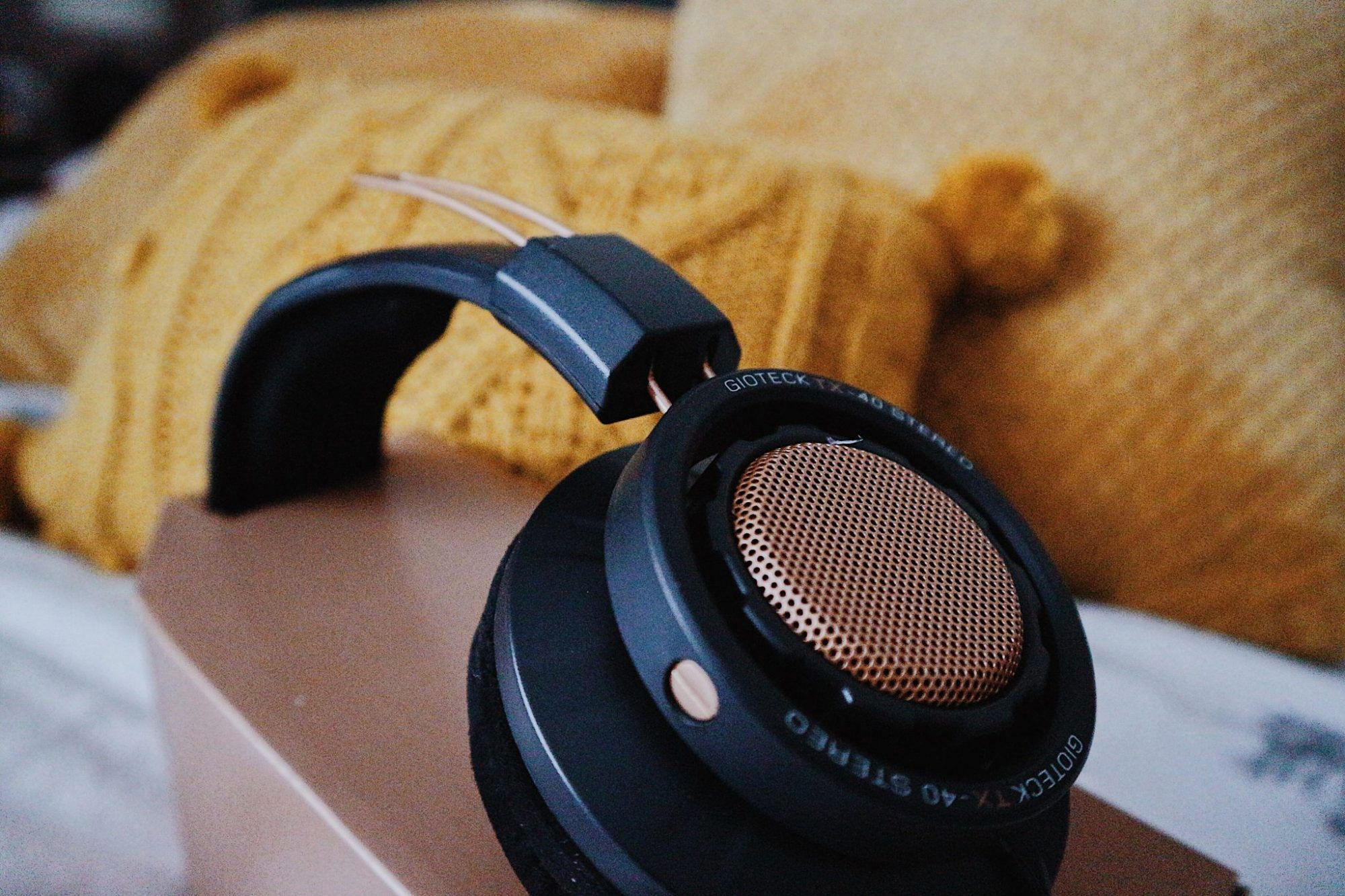 Gioteck Headset | Mustard Pillow