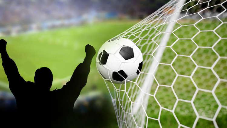 """ناديان مغربيان ضمن قائمة الأندية الأكثر """"شعبية وكراهية"""" حول العالم"""
