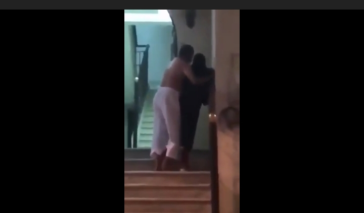 فيديو يشعلُ مواقع التواصل.. رجل يعتدي على امرأة بمكة المكرمة