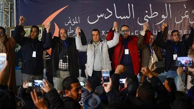"""شبيبة """"البيجيدي"""" تطالب العثماني ووزراء حزبها بمحاربة الريع والفساد"""