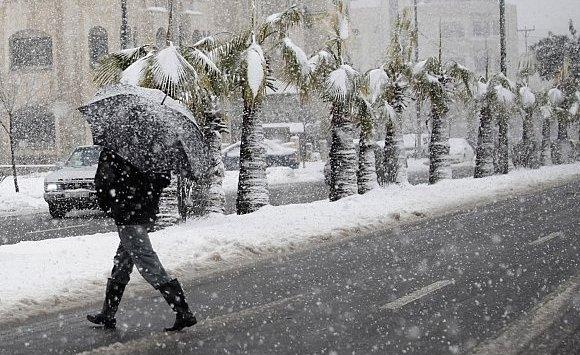 حالة الطقس : أمطار وثلوج في هذه المناطق اليوم الخميس