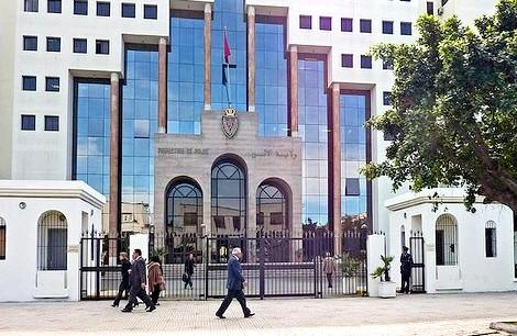 الدار البيضاء توقيف خمسيني فرنسي لاشتباه في تورطه في التزوير و التهرب الضريبي