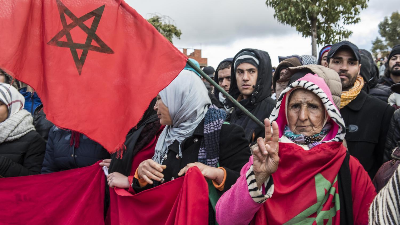 """سعيد بنيس يكتب : بين """"الحكرة"""" والاحتجاج"""