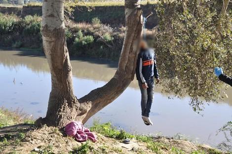 العثور على جثة شاب معلقة بشجرة بضواحي العيون