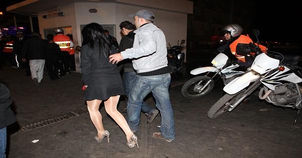 توقيف مومس عارية بالشارع بعد قضائها ليلة ماجنة ضواحي مراكش