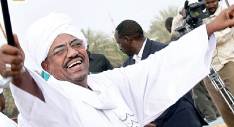 """دولة خليجية تتقدم بعرض إستضافة """"عمر البشير"""" وهكذا الرئيس المعزول"""
