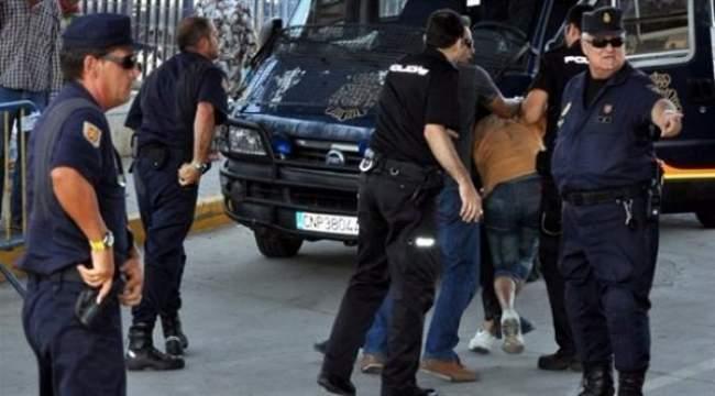 صادم. مغربي يقتل عشيقته الإسبانية بتسع طعنات ويلوذ بالفرار