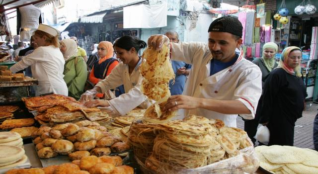 عادات رمضانية (4)..مهن تزدهر في رمضان