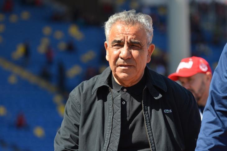 فوزي البنزرتي مدرب فريق الوداد يقرر الاستغناء على أربعة لاعبين نهاية الموسم الكروي
