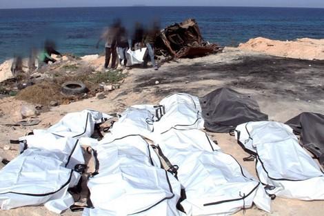 تونس: غرق عشرات المهاجرين و إنقاذ 16 بينهم مغربي(فيديو)