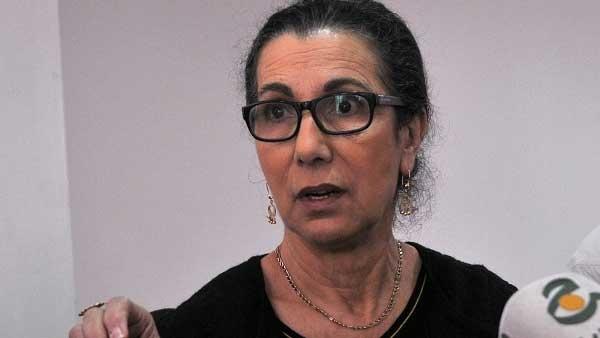 """القضاء العسكري بالجزائر يستدعي لويزة حنون بتهمة """"التآمر"""""""