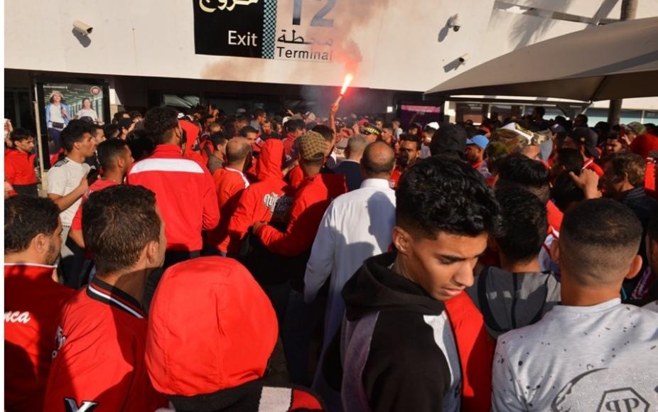 استقبال جماهيري كبير للاعبي الوداد بمطار محمد الخامس(صور)