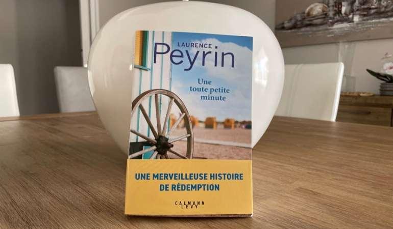 livre roue roulotte paysage table
