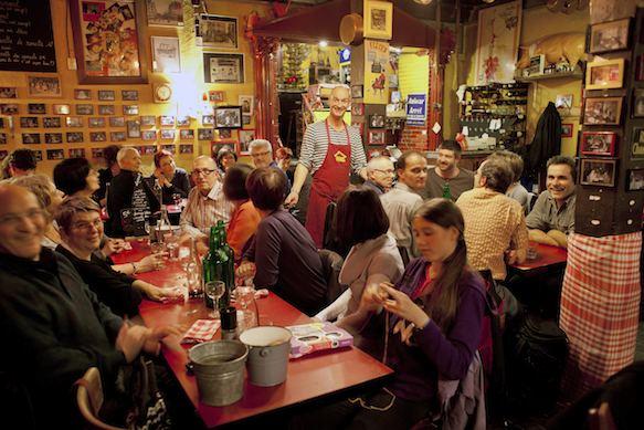 Crowded Lyonnais Bouchon