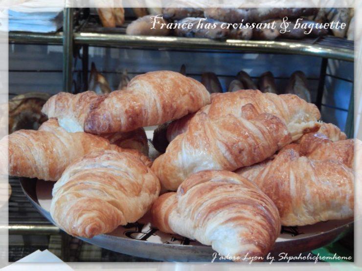 France-has-croissant-baguette